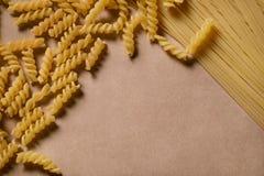 Olika typer av italiensk pasta arkivfoton