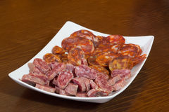 Olika typer av spansk salami, korven och skinka royaltyfria bilder