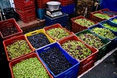 olika typer för marknadsolivgröngata Arkivfoton