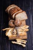 Olikt bröd i studio Fotografering för Bildbyråer