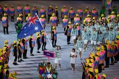 Olimpijski drużynowy Australia maszerował w Rio 2016 olimpiad ceremonię otwarcia przy Maracana stadium w Rio De Janeiro obraz stock