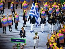 Olimpijski drużynowy Grecja maszerował w Rio 2016 olimpiad ceremonię otwarcia przy Maracana stadium w Rio De Janeiro fotografia royalty free