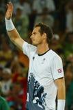 Olimpijski mistrz Andy Murray Wielki Brytania świętuje zwycięstwo po tym jak tenisowy mężczyzna ` s przerzedże finał Rio 2016 oli Zdjęcia Stock