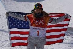 Olimpijski mistrz Chloe Kim świętuje zwycięstwo w kobiety ` s snowboard halfpipe finale przy 2018 olimpiadami zimowymi zdjęcie stock