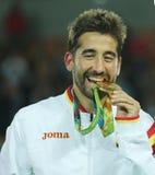 Olimpijski mistrz Mark Lopez Hiszpania podczas medal ceremonii po zwycięstwa przy mężczyzna ` s podwaja finał Rio 2016 zdjęcie royalty free
