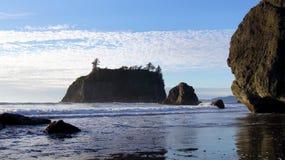 OLIMPIJSKI park narodowy, usa, 03th Seattle, Waszyngton PAŹDZIERNIK 2014 - rubinu plaża blisko - Zdjęcia Stock