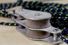Olinowanie, żeglowań akcesoria Arkana sykl na drewnianym i blok Obraz Royalty Free