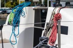 Olinowanie dalekomorskie żaglówki Żeglowań akcesoria na jachcie Obraz Royalty Free