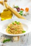 Olio d'oliva e peperoncino di Spageti Immagine Stock