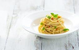 Olio d'oliva e peperoncino di Spageti Immagini Stock Libere da Diritti