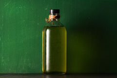 Olio d'oliva nella bottiglia Immagine Stock
