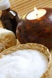 Olio del sale da bagno, della candela e di massaggio Fotografie Stock
