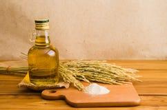 Olio della crusca di riso fotografie stock libere da diritti