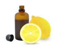 Olio di limone fresco Fotografie Stock Libere da Diritti