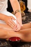 Olio di massaggio immagini stock libere da diritti