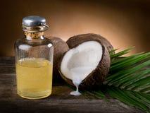 Olio di noce della noce di cocco Fotografia Stock Libera da Diritti