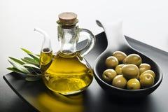Olio di oliva immagini stock