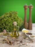 Olio di oliva con le olive Fotografia Stock Libera da Diritti