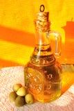 Olio ed olive di oliva Immagini Stock Libere da Diritti