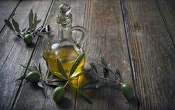 Olio ed olive di oliva Fotografia Stock