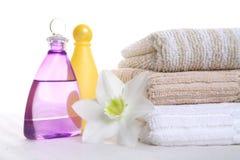 Olio, sciampo e tovagliolo aromatici immagine stock