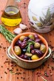 Oliv i bunke Arkivbilder