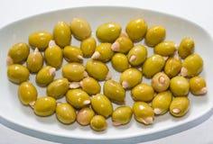 Oliv som är välfyllda med mandel 2 Arkivbild