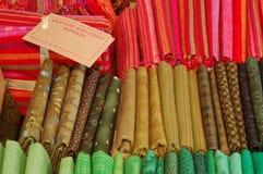 Oliva dei pacchi del mestiere e di stoffa per trapunte, rosso, verde Immagine Stock