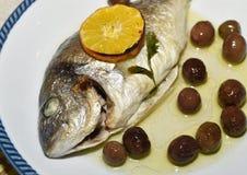 Olive d'escroquerie de forno d'Al d'Orata Image stock