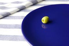 Olive de la plaque Images stock