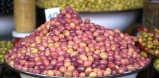 Olive de toutes les sortes et couleurs dans la Médina Image stock