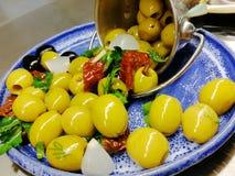 Olive, delizioso, belle, servire, cucina fotografie stock libere da diritti