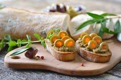 olive mellanmål Arkivfoton