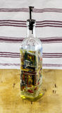 Olive Oil Bottle con la boca del goteo Foto de archivo libre de regalías
