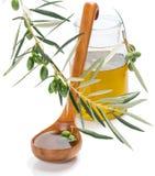 Olive Oil met dalingen Royalty-vrije Stock Afbeeldingen