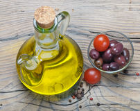 Olive oil and oilves Royalty Free Stock Images