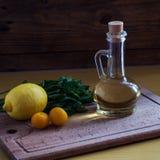 Olive Oil und Zitrone Stockbilder