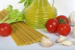 olive spagettigrönsaker för olja arkivbilder