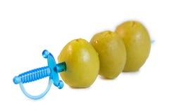 Olive su una spada del canape Immagine Stock Libera da Diritti