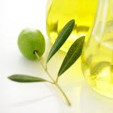 Olive und Schmieröl Stockbild