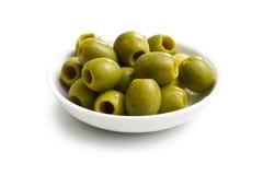 Olive verdi in ciotola bianca Immagini Stock Libere da Diritti