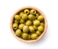 Olive verdi snocciolate in ciotola fotografie stock libere da diritti