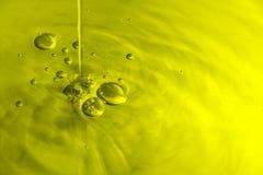 Olivenöl-Luftblasen stockfoto