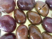 Olivenöl und Oliven mit der natürlichsten Darstellung stockfotografie