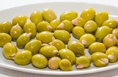 Oliven angefüllt durch Mandel Lizenzfreie Stockfotos