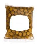 Oliven in der Plastikkastenoberfläche Stockbild