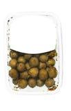 Oliven in der Plastikkastenoberfläche Stockbilder