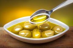 Oliven im Öl Stockbilder