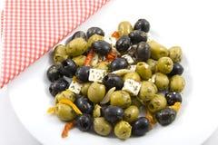 Oliven mit Feta Lizenzfreie Stockfotos