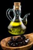 Oliven und Öl Lizenzfreie Stockfotos